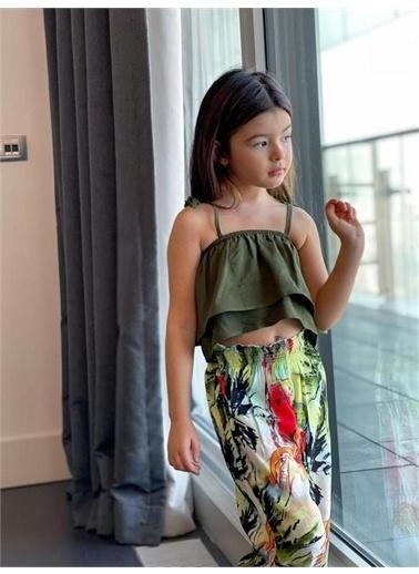 Hilal Akıncı Kids Kiz Çocuk Desenlı Salaş Pantolon Askili Renklı Bluz Ikılı Takim Yeşil